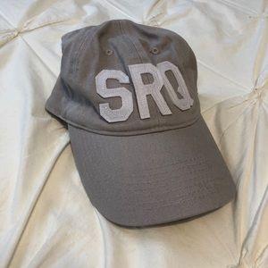 SRQ hat